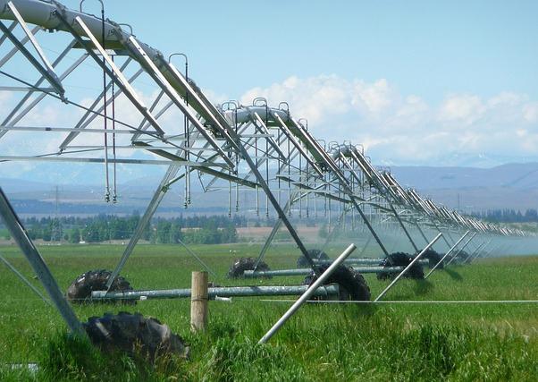 Un millón de hectáreas de regadíos españoles por modernizar consumen un 50% más de agua.