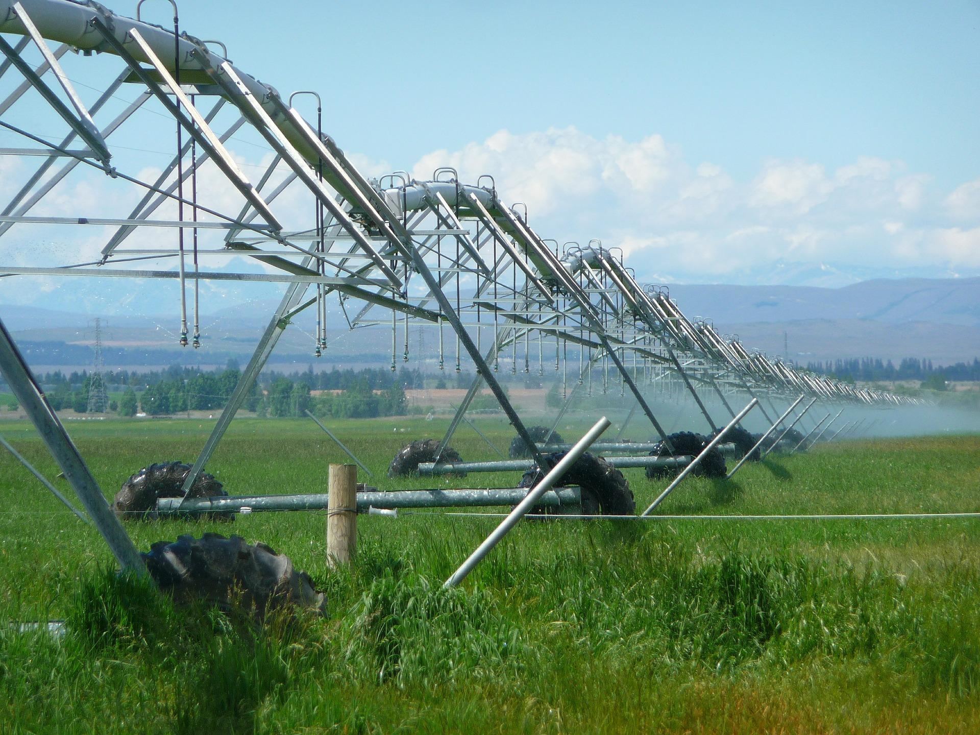 irrigation-403371-1920.jpg