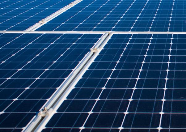 La primera fotovoltaica flotante de España, en Extremadura.